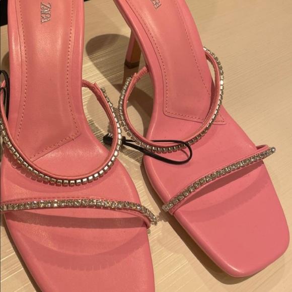 Zara sandals bloggers fav